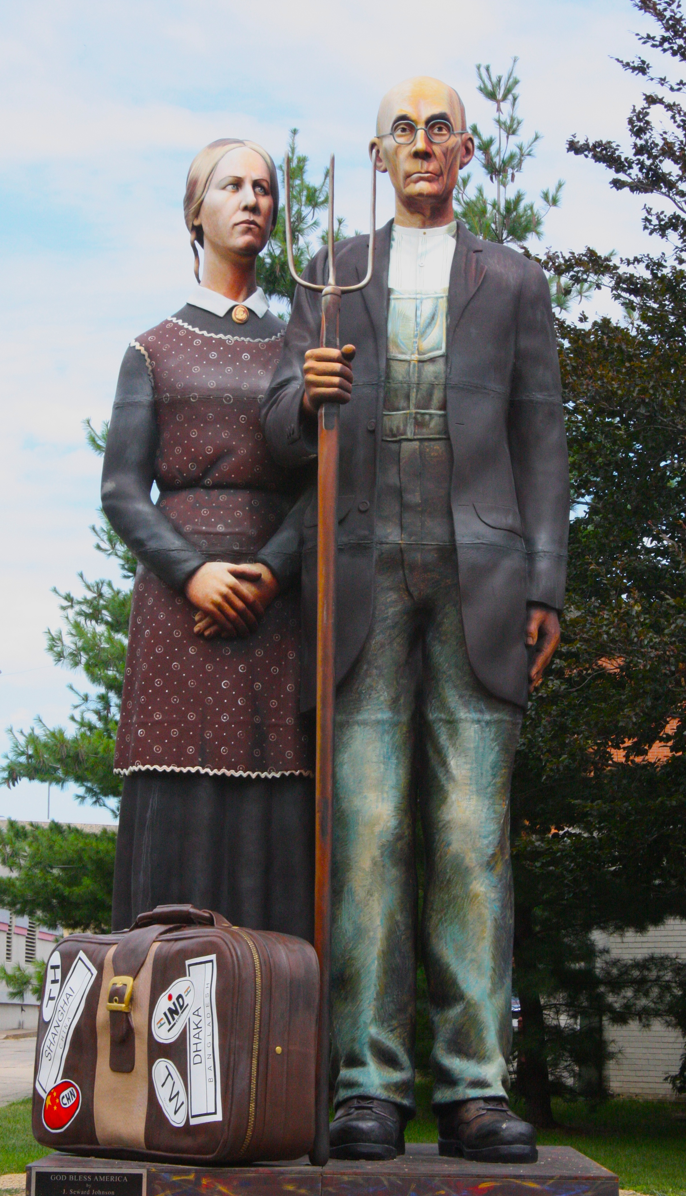 The Sculpture Of Iconic American Gothic Painting