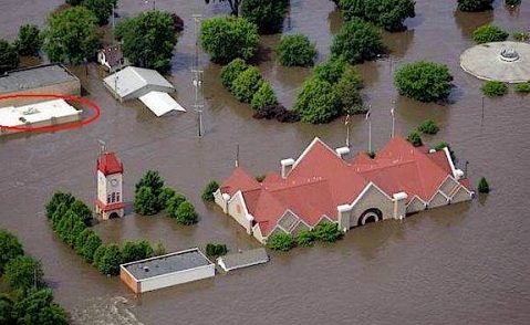 2008_flood_cedar_rapids_czech_museum_ii